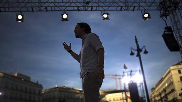 Pablo Iglesias instó al PSOE a escuchar a sus votantes y dejar atrás la complacencia con el PP. Foto: AP.