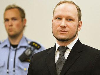 Андерс Брейвик в суде 24 августа 2012 года. Фото ©AFP