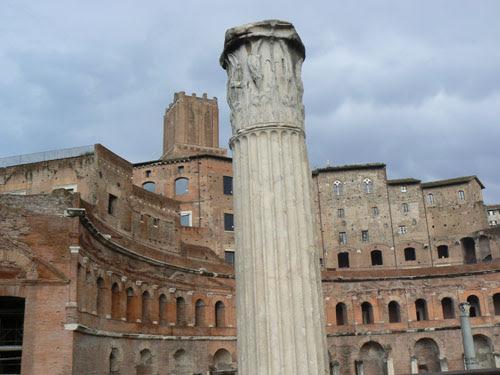 colonne et forum de trajan.jpg