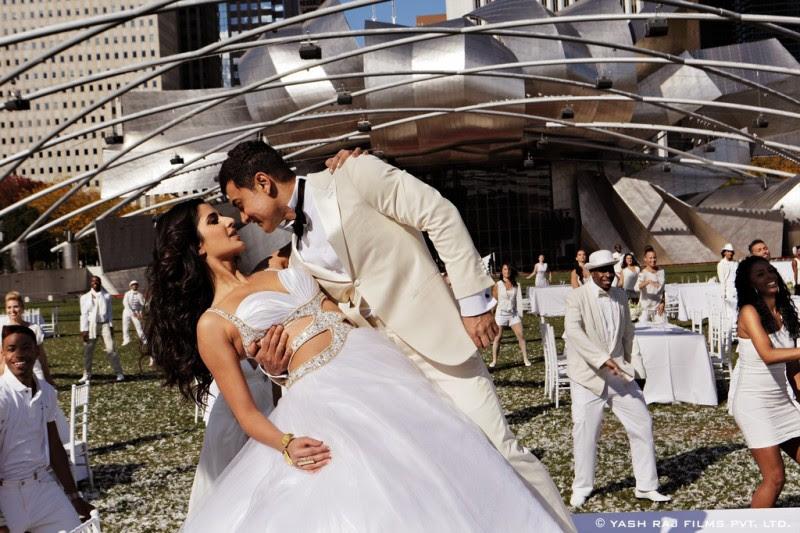Aamir-Khan-Katrina-Kaif-Abhishek-Indian-Bollywood-Movie-Dhoom3-Wallpapers-Picture-5