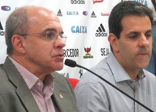 Bandeira e Wrobel, coletiva Flamengo (Foto: Thales Soares)