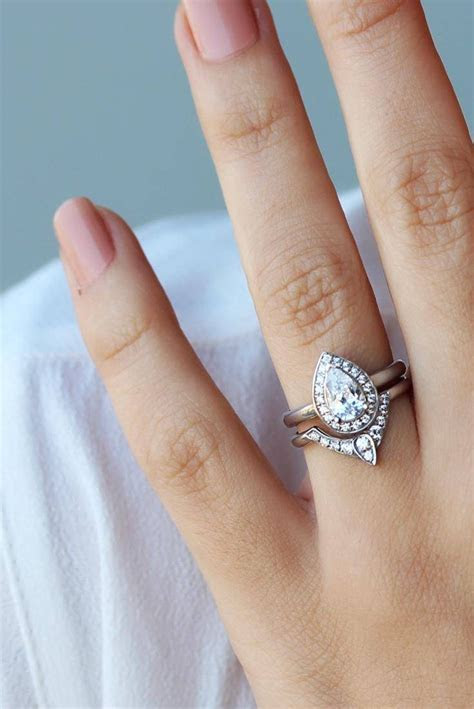 2019 Latest Pear Shaped Engagement Rings And Wedding Band