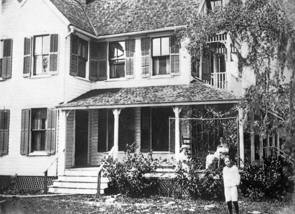 Ward Stanton home on the Manatee River - Bradenton, Florida.