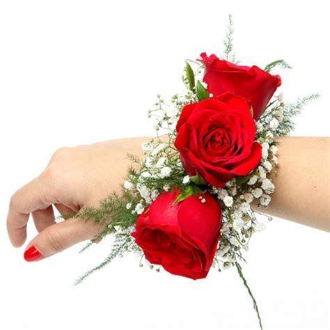 Send Red Rose Fresh Flower Bracelet Online from BookMyFlowers