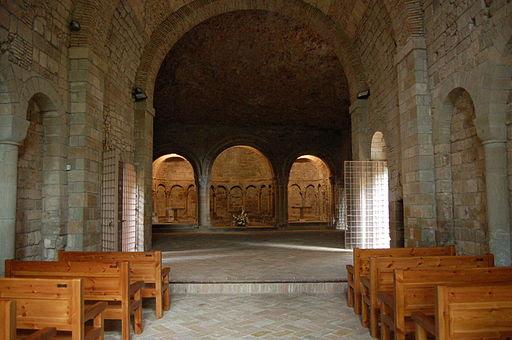 Nave de la iglesia del Monasterio de San Juan de la Penna
