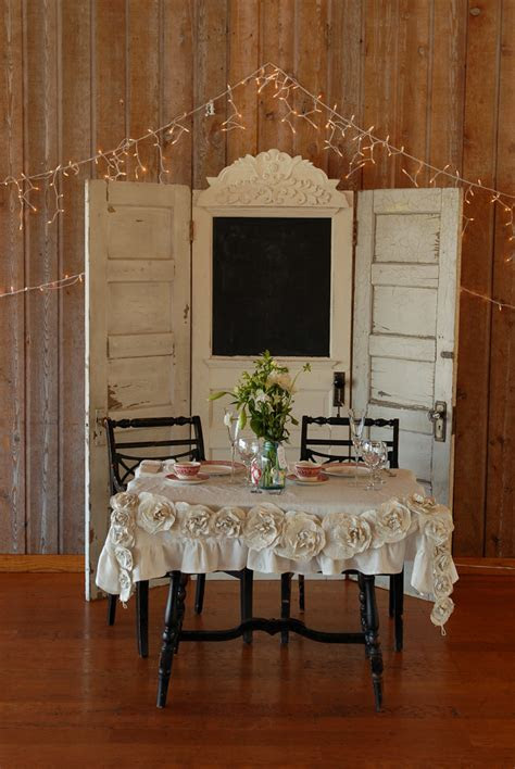Rustic Wedding Decorations   Real Weddings: April   Martin