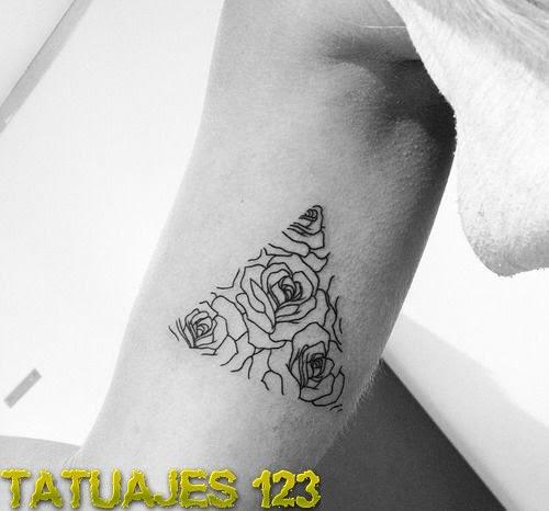 Triángulo De Rosas Tatuajes 123
