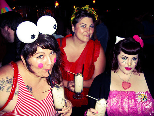 Tess's B-day: Fabulous Dames