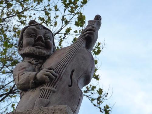 gnome musician guitar