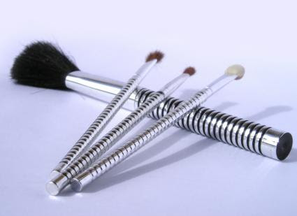 Makeup Brushes | LoveToKnow