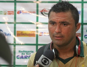 Cristiano Tiririca, atacante do Baraúnas (Foto: João Paulo Maia)