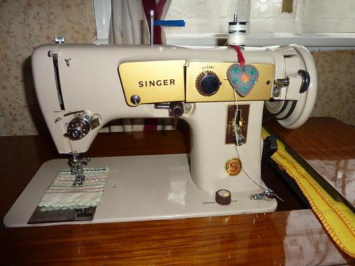 Singer 224ML Machine