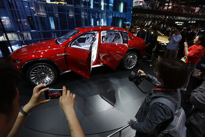 inside-the-beijing-motor-show-mercedes-maybach-crossover-concept-684