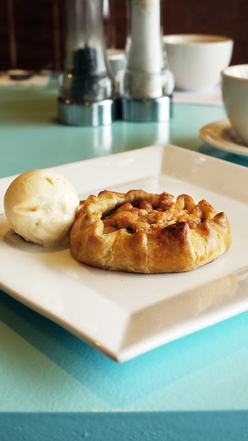 delmonico apple tart