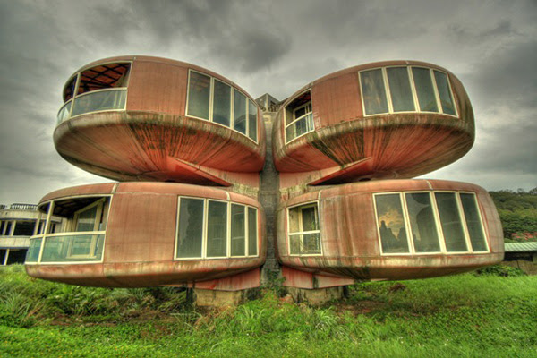 10 Most Amazing Buildings In The World