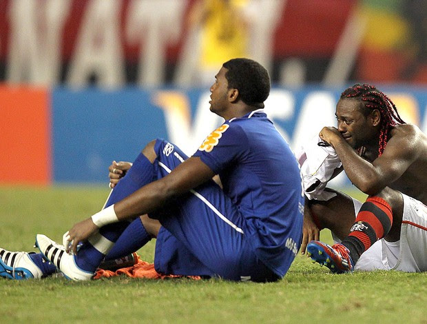 Felipe e Vagner Love, Flamengo x Lanus (Foto: EFE)