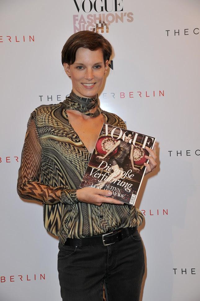 999 - Vogue_FNO_2011_Iris Strubegger016