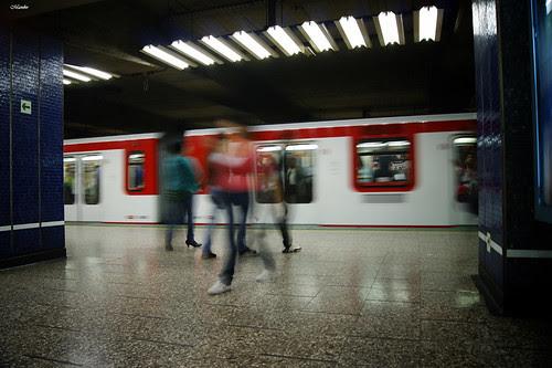 Motion blur, metro de Santiago. by Manuel Venegas