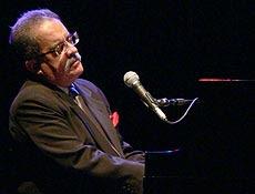 Zé Rodrix ganhou destaque na música durante a década de 70, ao lado de Sá e Guarabyra