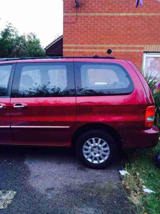 Kia sedona red. car for sale