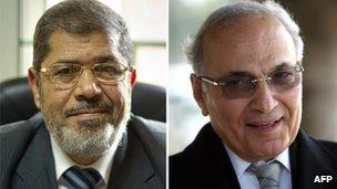 Muslim Brotherhood presidential candidate, Mohammed Mursi (Left) and former prime minister and presidential candidate, Ahmed Shafiq
