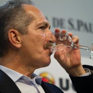 Ministro do Esporte Aldo Rebelo peitou a Fifa e pediu o afastamento de Valcke das negociações