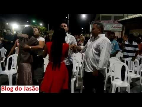 Vídeo: Momento de Emoção enquanto a Cantora Messiani, filha do radialista Messias, estava  louvando ao Senhor