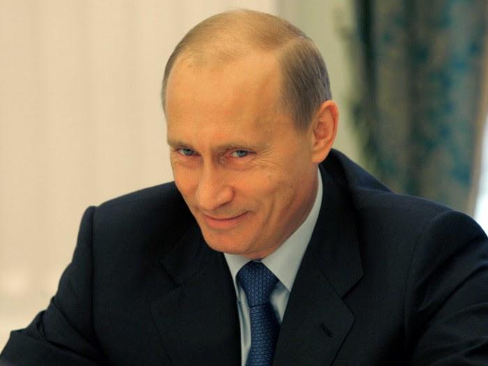 Μια «χαλαρή» Ρωσία «βάζει χέρι» άμεσα στην Κριμαία…