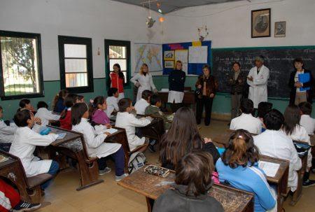 Clase escuela alumnos maestros Presidencia
