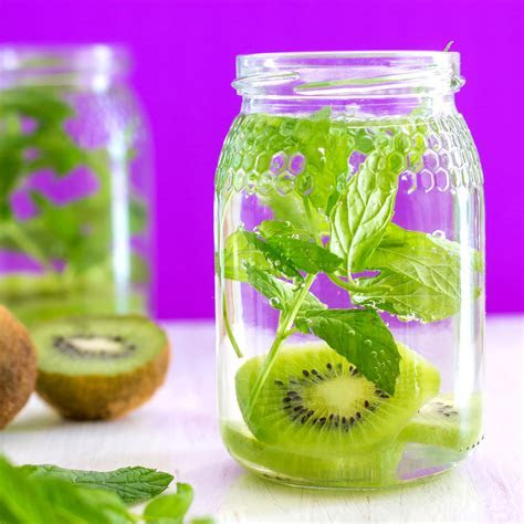 Foodista   Refreshing Kiwi Mint Infused Water