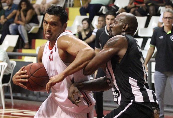 Fla Basquete vence a primeira na semifinal contra o Botafogo