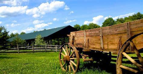 Rustic Ridge View Farm Weddings and Events   Rustic