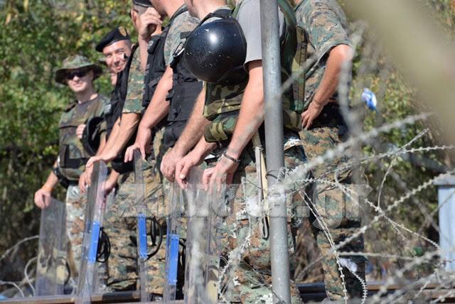 Δεκάδες Σκοπιανοί αστυνομικοί  βρίσκονται σε 24ωρη επιφυλακή. Την προηγούμενη εβδομάδα δεν έλειψαν τα βίαια επεισόδια