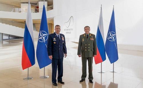 Rusia cierra misión ante la OTAN en represalia por acusaciones de espionaje