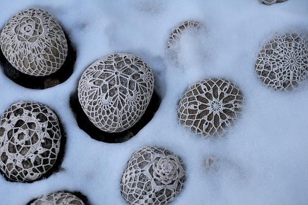 Snowy Snowflake Rocks