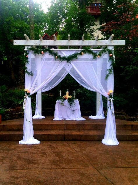 A beautifully decorated pergola at Landoll's Mohican