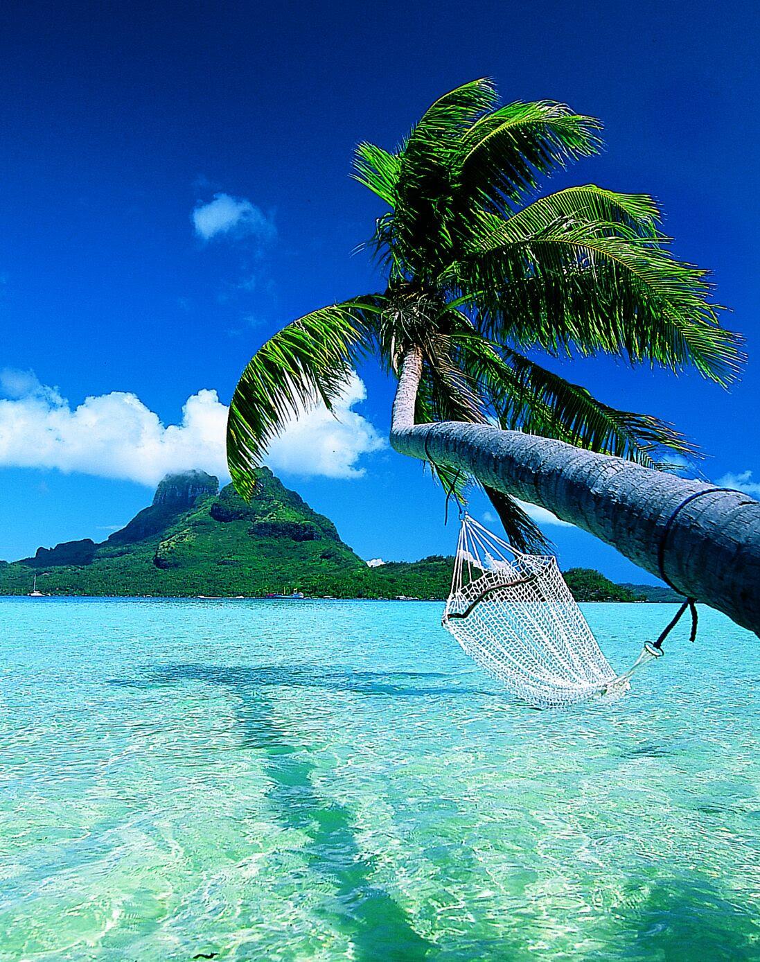 Top 10 Romantic Destinations for 2011  Covington Travel