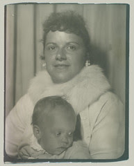 photobooth mother and child