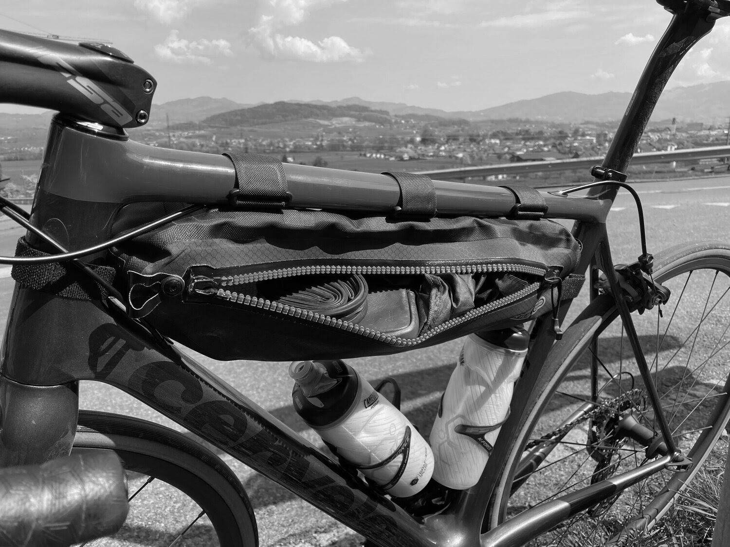 Review Ortlieb S Is The Top Tube Bag To Which Most Others Aspire Hairpins Not Hairshorts