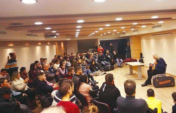 Άρτα: Παρουσιάστηκε η έκθεση παραδοσιακών μουσικών οργάνων στην Άρτα
