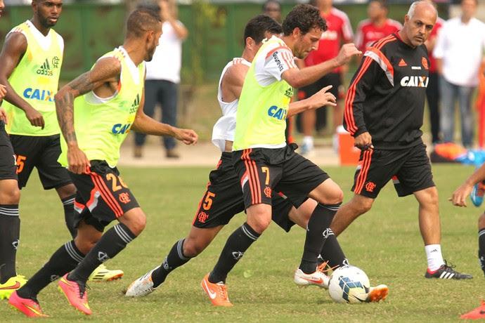 Elano Treino flamengo (Foto: Gilvan de Souza / Flamengo)