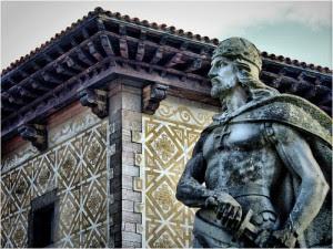 « Pélage le Conquérant » est le premier roi des Asturies (718-737). Après l'occupation de l'Espagne par les Sarrasins, Pélage inaugura la rébellion contre eux en Asturies. Photo de Jose Luis Cernadas Iglesias: Flickr, 2009 (CC BY).