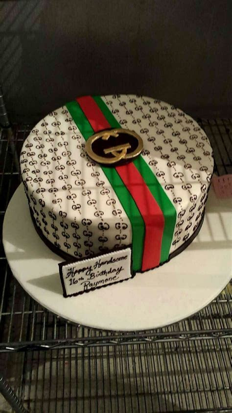 Gucci cake   Workouts /challenges   Pinterest   Gucci cake