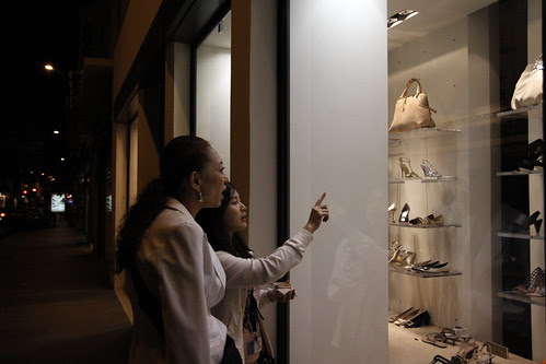 Kobayashi-sensei and Fooi Mun doing late night window shopping