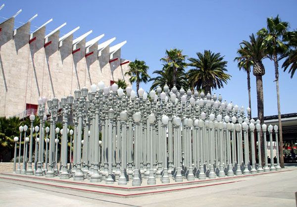 LACMA's way of turning light pollution into an art form at night... :)