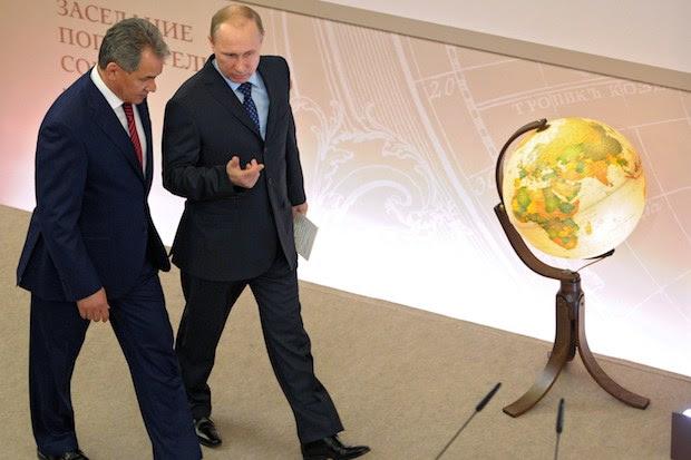 Ρωσία: Το νέο δόγμα ασφαλείας και ΗΠΑ… με τις 'πολύχρωμες'