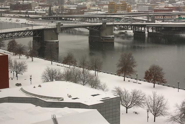 snow, morrison bridge