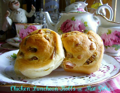 Chicken Luncheon Rolls