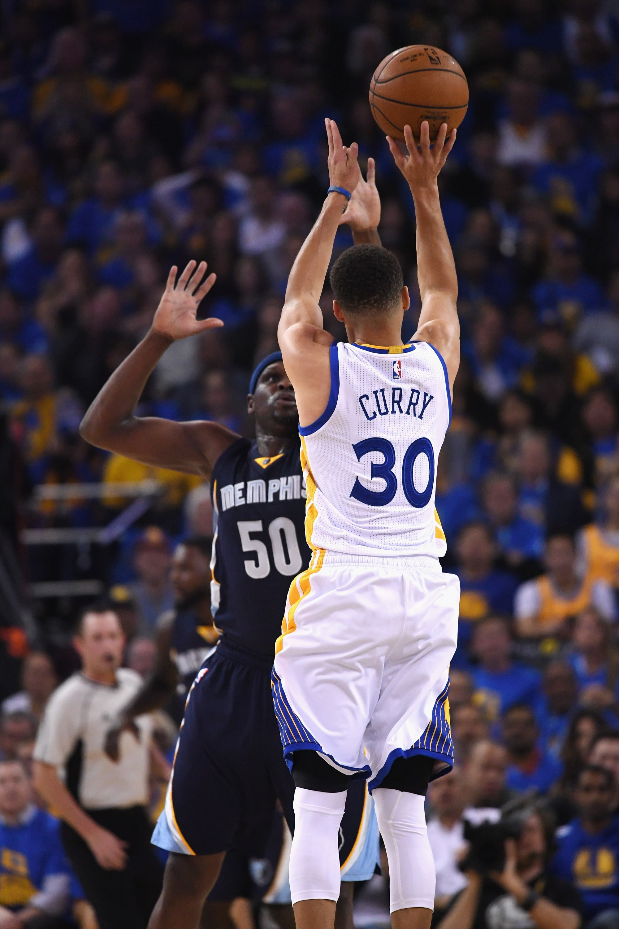 Stephen Curry put on a show in the Warrior's record-setting win. (Thearon W. Henderson/Getty Images)