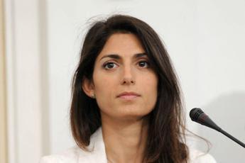 Raggi in Commissione antimafia: Obbligati a tenerci dirigenti di Mafia Capitale